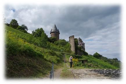 シュターレック城行き方
