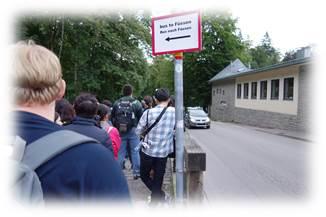 ノイシュヴァンシュタイン城バス行列