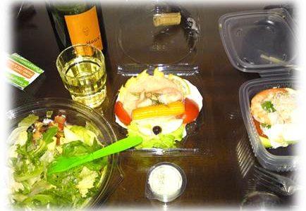 モンパルナス駅近くのモノプリでお惣菜を購入