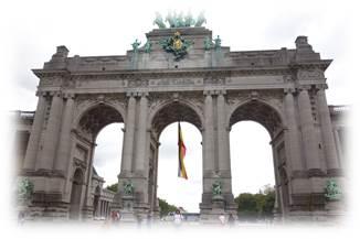 ブリュッセル公園から歩いてベルギー凱旋門へ