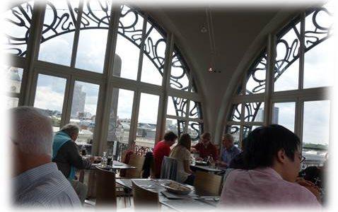 ブリュッセル楽器博物館の屋上でランチ