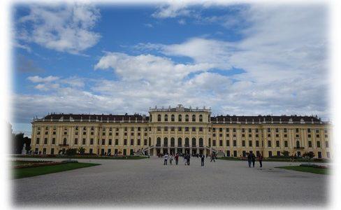 シェーンブルン宮殿へのアクセスや所要時間