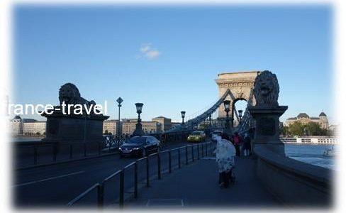 ブダペスト国会議事堂からくさり橋まで歩いてみた