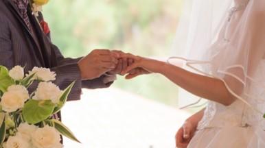 結婚式のお呼ばれでCariruのレンタルドレスを借りてみた