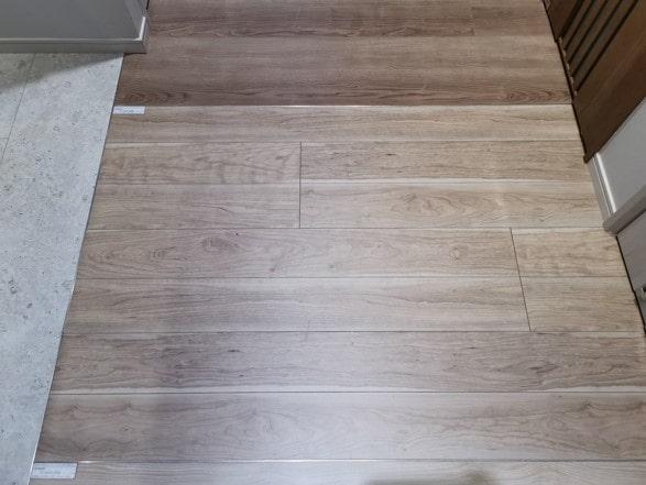 パナソニック建具床フローリングベリティスチェリー
