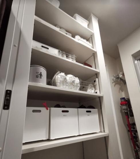 洗面所可動棚収納